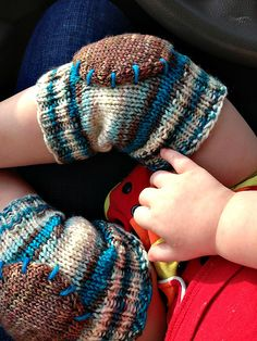 Everyone (k)nee-ds a pair of these, adult size!!!!! Ravelry: Baby Bumpers Knee Pads pattern by Sarah Lehto