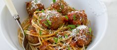 Meatballs & Spaghetti Michelle Bridges - 287 Cal per serve Beef Recipes, Healthy Recipes, Healthy Meals, Clean Recipes, Healthy Food, Recipies, Yummy Food, Healthy Cooking, Healthy Eating
