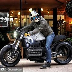 en you will get this image about BMW Moto Cafe, Cafe Bike, Cafe Racer Bikes, Bike Bmw, Cafe Racer Tank, R65, Bmw Motorcycles, Vintage Motorcycles, Bmw R51