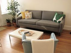 My new project!!!    How to Reupholster a Couch in 12 Steps: