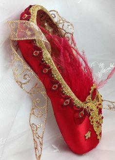 Firebird tema decorado pointe zapatos. Regalo de ballet. Listo