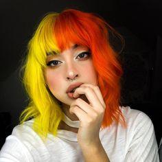 Pink Hair Dye, Dyed Hair Pastel, Yellow Hair, Dye My Hair, Hair Colorful, Multicolored Hair, Bright Hair, Short Dyed Hair, Half Dyed Hair
