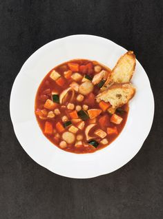 Minestrone à la tomate Soup Recipes, Healthy Recipes, Healthy Food, Ricardo Recipe, Bowl Of Soup, The Breakfast Club, Chana Masala, Soups And Stews, Sweet Recipes