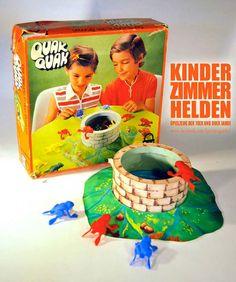 Ist es nicht der Hammer, wie einfach man Kinder in den 80er Jahren beschäftigen konnte? Bei dem Spiel Quak Quak hat man  tatsächlich stundenlang Frösche in einen Brunnen versuch zu katapultieren. | unfassbar.es