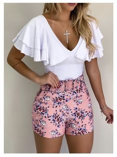 Women S Fashion Top Brands Classy Outfits, Chic Outfits, Dress Outfits, Fashion Dresses, Short Outfits, Short Dresses, Older Women Fashion, Summer Work Outfits, Edgy Style