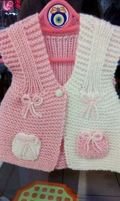 Creative Contents about DIY & Crafts, Knitting, Hairstyles, Beauty and more - Diy Crafts Crochet Girls Diy Crafts Diy Crafts Knitting, Knitting For Kids, Baby Knitting Patterns, Knitting Designs, Baby Patterns, Free Knitting, Crochet Dress Girl, Crochet Baby Jacket, Knit Baby Dress
