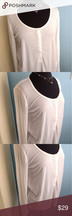 Buttery Soft Hinge Long Sleeve Henley Top, NWT Buttery Soft Hinge Long Sleeve Cozy Henley Knit Top, NWT Off White, Rayon Blend. Runs a little big. M more like a Large. Hinge Tops Tees - Long Sleeve