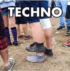 Rave Meme, Dance Fails, Berlin Techno, Tech House Music, Rave Music, Epic Pictures, Funny Memes, Jokes, Techno Music
