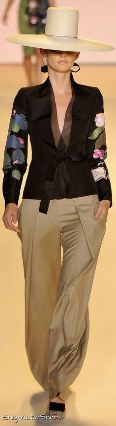 Carolina Herrera Spring Summer 2011 Ready-To-Wear Love Fashion, High Fashion, Fashion Show, Fashion Outfits, Womens Fashion, Fashion Design, Fashion Trends, Looks Jeans, Mein Style