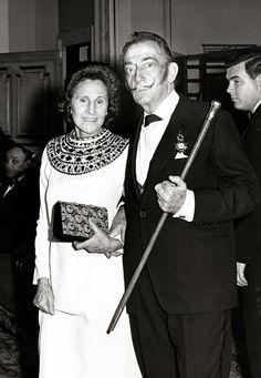   Salvador Dalí en París   Vogue México
