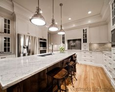 River White Granite Countertops - Design photos, ideas and inspiration. Amazing gallery of interior design and decorating ideas of River White Granite Countertops in bathrooms, laundry/mudrooms, kitchens by elite interior designers. Simple Kitchen Remodel, White Granite Countertops, White Kitchen Remodeling, Kitchen Design, Outdoor Kitchen Countertops, Diy Kitchen Remodel, Condo Kitchen Remodel, Cheap Kitchen Remodel, Kitchen Remodel Countertops
