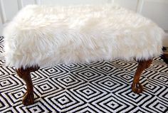 40 Inspiring Warm Fur Furniture Pieces For Fall And Winter : 40 Adorable Warm Fur Furniture With White Wooden Door Rug And Animal Leather Ch. Funky Home Decor, Diy Home Decor, Furniture Makeover, Diy Furniture, Chair Makeover, Plywood Furniture, Modern Furniture, Furniture Design, Do It Yourself Upcycling