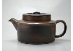 Arabia Ruska Teapot designed by Ulla Procope Teapot Design, Ceramic Design, Chocolate Pots, Chocolate Brown, Kitchenware, Tableware, Rubber Flooring, Practical Gifts, Coffee Set