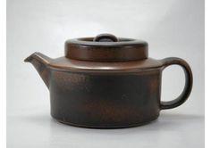 I love this Arabia Ruska Teapot, designed by Ulla Procope