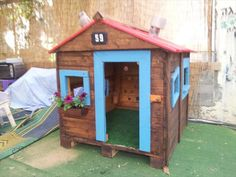 Pallet Playhouse Tutorial | 99 Pallets