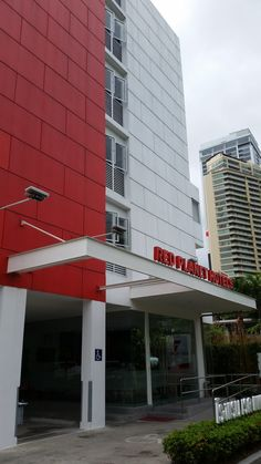 Red Planet Hotel Asoke review Bangkok Travel, Bangkok Hotel, Bangkok Trip, Red Planet Hotel, Hotel Reviews, Hostel, Stairs, Restaurant, Outdoor Decor