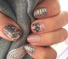 Cute nail art with bunny & nails with flowers - Best Beauty Ideas Spring Nail Art, Nail Designs Spring, Spring Nails, Nail Art Designs, Nail Designs Floral, Nails Design, Floral Nail Art, Acrylic Nails For Spring, Pedicure Nail Designs