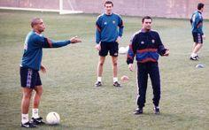 Ronaldo Nazario, José Mourinho y Laurent Blanc durante un entrenamiento del Barça 1996-97