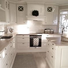 Small American kitchen: 60 projects to inspire - Home Fashion Trend Kitchen Room Design, Home Decor Kitchen, Interior Design Kitchen, Kitchen Living, New Kitchen, Kitchen Ideas, Living Room, Cottage Kitchens, Home Kitchens