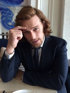 """RT """"@carrieellenbell: #TCA15 #Outlander @SamHeughan is concerned about fans suffering from the horrid #droughtlander """""""