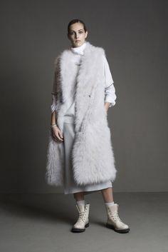 Brunello Cucinelli - Fall 2015 Ready-to-Wear - Look 1 of 30