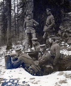 Machine-gunners from 1 Landsturm Infanterie Bataillon 'Rastatt' (XIV 5).