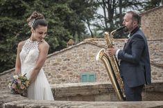 Consegnato, come anticipato in qualcuno dei precedenti articoli, il servizio foto-video di matrimonio di Antonio e Giada; un servizio fotografico di matrimonio che sorprende per la coincidenza degli scatti e il carattere dei nostri sposi. Fotografie permeate dalla spontaneità dei due sposi, e il cui risultato è un mix di allegria, romanticismo e complicità.   #castelfiorentino #DRONE #EMOTIONS #empoli #firenze #follow4follow #fotografia #FOTOGRAFO #instawedding #love #ma