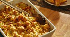 Cette semaine, cuisinez un gratin de fruits de mer, rempli de pétoncles, de crevettes et de pommes de terre pour un repas rapide et savoureux. Avec ses ingrédients réconfortants, ce repas vous plaira! Actifry, Parmesan, Cauliflower, Macaroni And Cheese, Seafood, Bbq, Good Food, Snacks, Vegetables