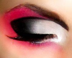Queen of Hearts Halloween Eye Makeup
