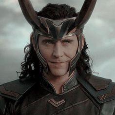 + · ღ 𝑴𝒂𝒚𝒐𝒓𝒊… # Fanfic # amreading # books # wattpad Wanda Marvel, Loki Thor, Tom Hiddleston Loki, Marvel Avengers, Lady Loki, Loki Laufeyson, Marvel Characters, Marvel Movies, Loki Aesthetic
