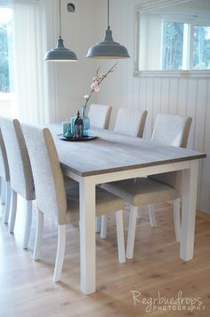 Spisebord - Regnbuedrops Dining Room, Dining Table, Holiday, House, Furniture, Home Decor, Tables, Vacations, Decoration Home