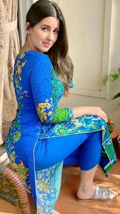 Beautiful Girl Indian, Beautiful Girl Image, Beautiful Indian Actress, Beauty Full Girl, Beauty Women, Dehati Girl Photo, Indian Girl Bikini, Femmes Les Plus Sexy, Indian Girls Images