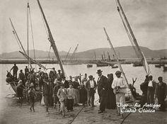 Descarga de pescado en el Berbés, alrededor de 1902.