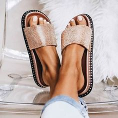 Ideas for moda femenina zapatos bajos Women's Shoes, Cute Shoes, Me Too Shoes, Shoe Boots, Shoes Sneakers, Shoes Men, Shoes For School, Flipflops, Studded Heels
