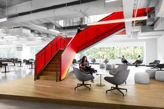 """Wired, a popular technology magazine that provides an in-depth coverage of current and future trends in technology, recently reached out to global design firm Gensler, to redesign their headquarters in San Francisco. """"The two phased office interior design renovation of WIRED magazine's south of Market Street warehouse, met the organization's goals to use the workplace to: … Continue reading A Tour of Wired's New Sleek San Francisco Headquarters →"""