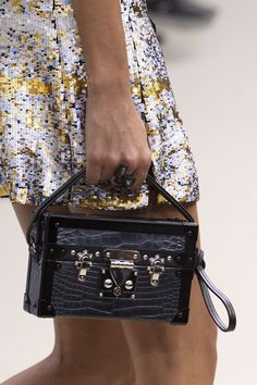 #Louis #Vuitton #Handbags 2016 New LV Collection For Fashion Handbags, Where To Buy Women Fashion Purses? Here It Is! The Price Of LV Top Handles Is Acceptable To Our Customers.