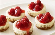 These Weight Watchers Cherry Cheesecake Bites are simple and perfect for any time of the year. There is only 5 Weight Watchers Smart Points in each serving! Weight Watcher Desserts, Weight Watchers Cheesecake, Weight Watchers Meals, Köstliche Desserts, Healthy Desserts, Delicious Desserts, Dessert Recipes, Yummy Food, Healthy Recipes