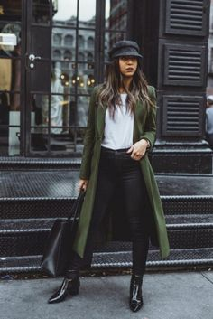 Yule style!! Noel christmas new years eve!! You will need a green winter coat or jacket this year!! Not your standard green winter jacket. Green Winter Coat, Best Winter Coats, Fall Coats, Green Coat, Green Pants, Green Jacket Outfit, Autumn Coat, Black Pants, Looks Style