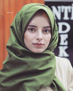 Beautiful Muslim Women, Beautiful Hijab, Hijabi Girl, Girl Hijab, Hijab Dress, Hijab Outfit, Persian Beauties, Cute Baby Girl Pictures, Hijab Dpz