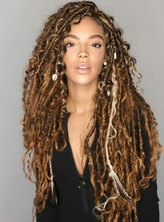 Faux locs hairstyles are a beautiful and a trending hairstyle that is here to stay! Here is some inspiration to get your hair slayed for Faux Locs Hairstyles, African Braids Hairstyles, Pretty Hairstyles, Girl Hairstyles, Goddess Hairstyles, Protective Hairstyles, Faux Locs Blonde, Faux Dreads, Ombre Faux Locs