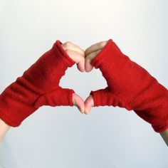 Convertible Mittens Sewing Pattern - Fingerless Fleece Gloves or Mittens - PDF. $5.95, via Etsy.