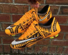 Awesome custom pair of cleats Tag a friend who would wear these By - Use to get featured Cool Football Boots, Soccer Boots, Football Shoes, Nike Football, Custom Football Cleats, Custom Football Boots, Custom Sneakers, Custom Shoes, Lit Shoes