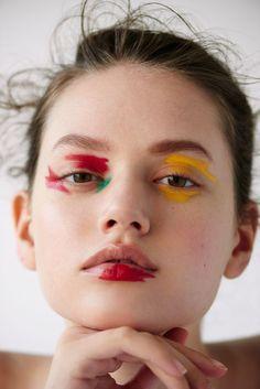 Rufen Sie mich am Morgen an Wonderland Magazine - Call Me In The Morning Edgy Makeup, Makeup Inspo, Makeup Inspiration, Beauty Makeup, Hair Makeup, Exotic Makeup, Crazy Make Up, Make Up Art, Eye Make Up