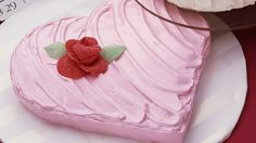 """This pretty heart-shaped cake is the perfect way to say """"I love you!"""""""