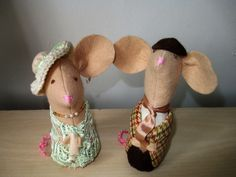 Felt Wedding Mice, Bride and Groom, Handmade Bride and Groom, Wedding Cake Toppers by oothatsnice on Etsy