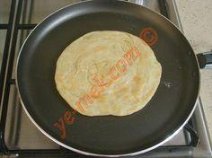 Tavada Mayasız Katmer Tarifi Yapılış Aşaması 13/20 Pogaca Recipe, Beignets, Bread Baking, Food And Drink, Cheese, Breakfast, Recipes, Bulgur, Baking