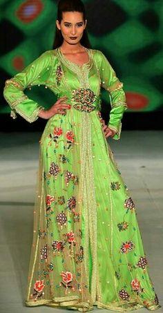 LES PLUS BEAUX CAFTANS DES FASHION DAYS DE CASABLANCA 2014.. Le caftan est  le vêtement qui représente le mieux la femme marocaine. 396a5662f1a