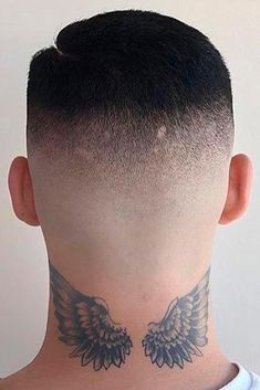 Buzz Cut with High Skin Fade ❤ The high and tight haircut is undeniably trendy these days. We decided to show you how versatile this cut can be so that the next time you plan your visit to a hair dresser's you will have a fresh idea in mind! High And Tight Fade, High And Tight Haircut, High Skin Fade, Hot Hair Styles, Hair And Beard Styles, Trending Hairstyles, Up Hairstyles, Tapered Hair, Fade Haircut