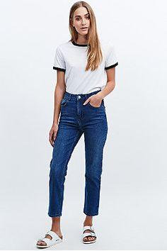 BDG Girlfriend Jeans in Mid Blue
