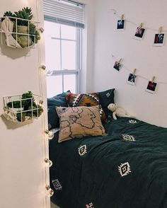 pinterest: morgangretaaa Just saying, you can keep it simple, I see too many pictures of doorm rooms that just seem to have too much sometimes.